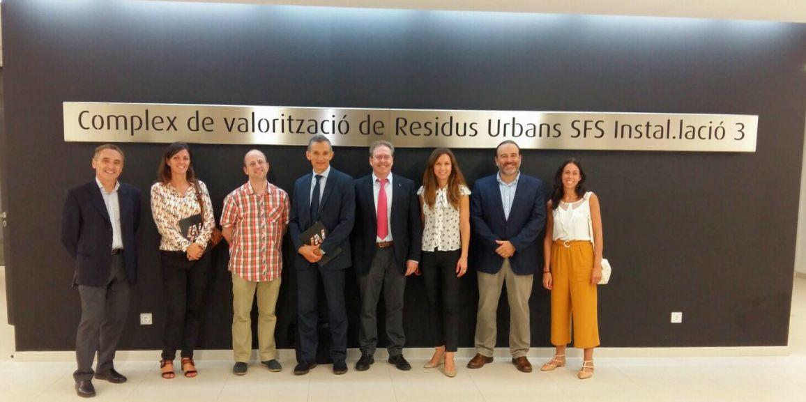 S.A. AGRICULTORES DE LA VEGA DE VALENCIA recibe a la Comisión Europea en su primera visita a una planta de tratamiento de residuos en la Comunidad Valenciana.